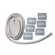 """DEi Design Engineering sada termo izolačního návleku """"Protect-A-Wire"""" délka 2,1 m + 6x koncovka s logem, stříbrná barva"""