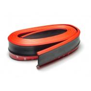 Univerzální lipa/spoiler z pružného materiálu, černý s červenou linkou, délka 2,5 m